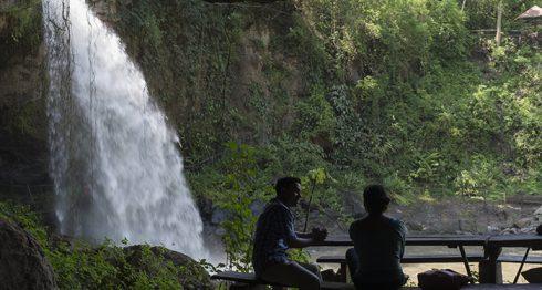Vista desde la cueva que está detrás de la Cascada Blanca en Matagalpa. LA PRENSA/ ÓSCAR NAVARRETE