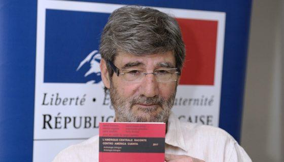 Jacques Aubergy, editor de la antología bilingüe, español-francés, L´Amérique Laconte. LAPRENSA/CARLOS VALLE