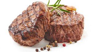 Esa capa medio quemada es lo que le da un sabor delicioso a la carne. GETTY IMAGES