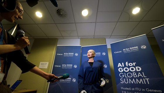 El robot humanoide Sophia fue desarrollada en Hong Kong. LA PRENSA/AFP