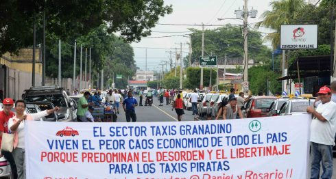 taxis, piratas, León, Granada