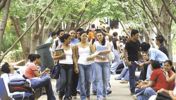 universitarios en Nicaragua, estudiantes, internet