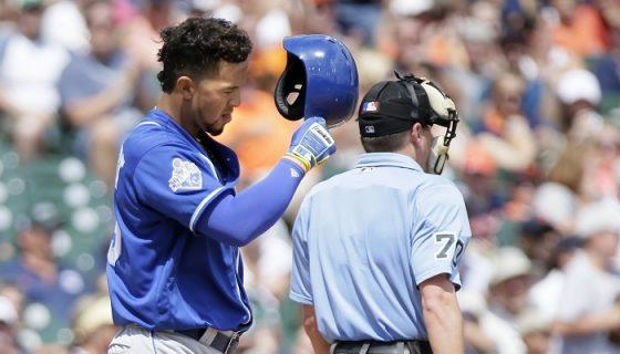 Cheslor Cuthbert bajó su promedio de bateo a .203. LA PRENSA/Duane Burleson/Getty Images/AFP