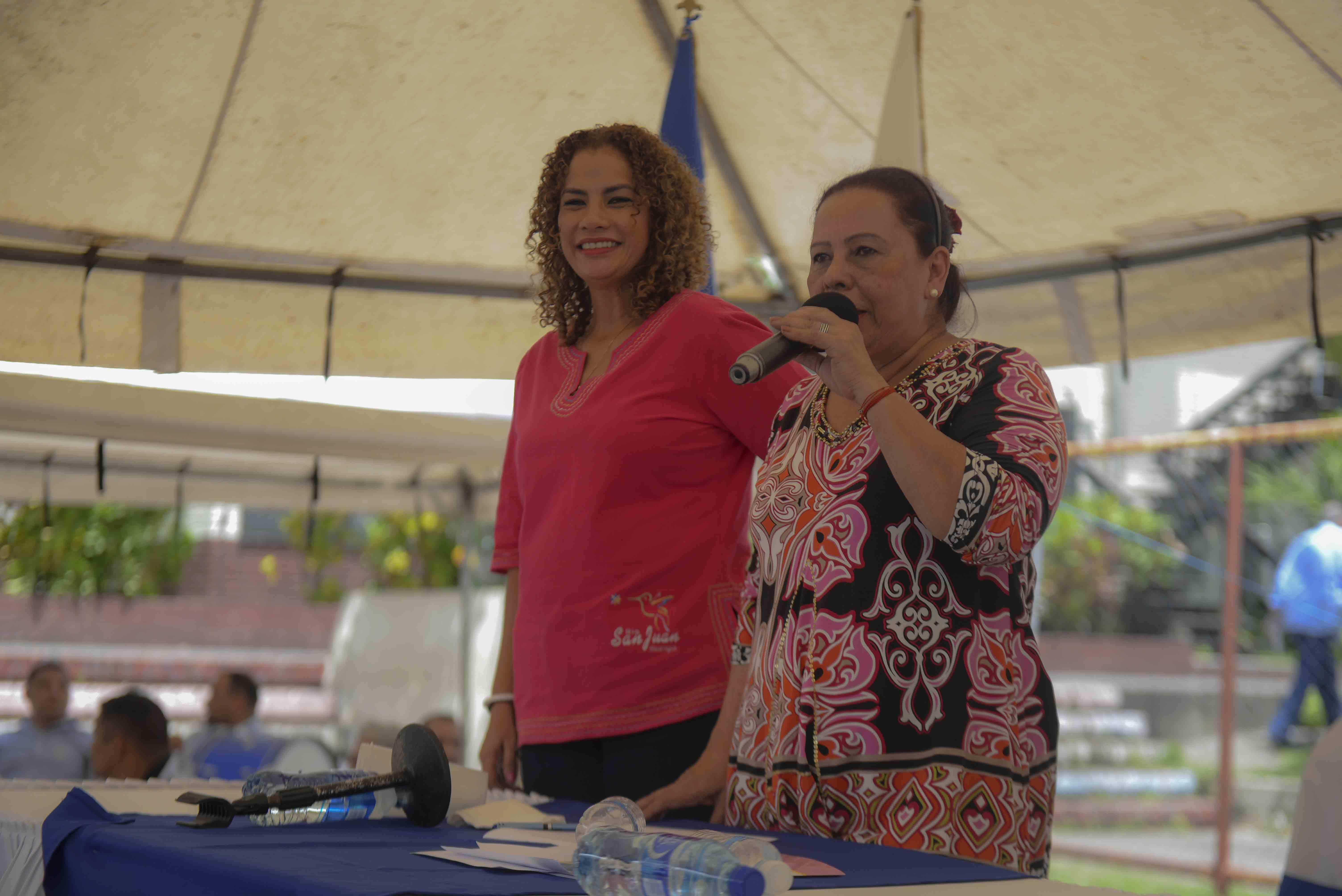 Daysi Torres y Reyna Rueda