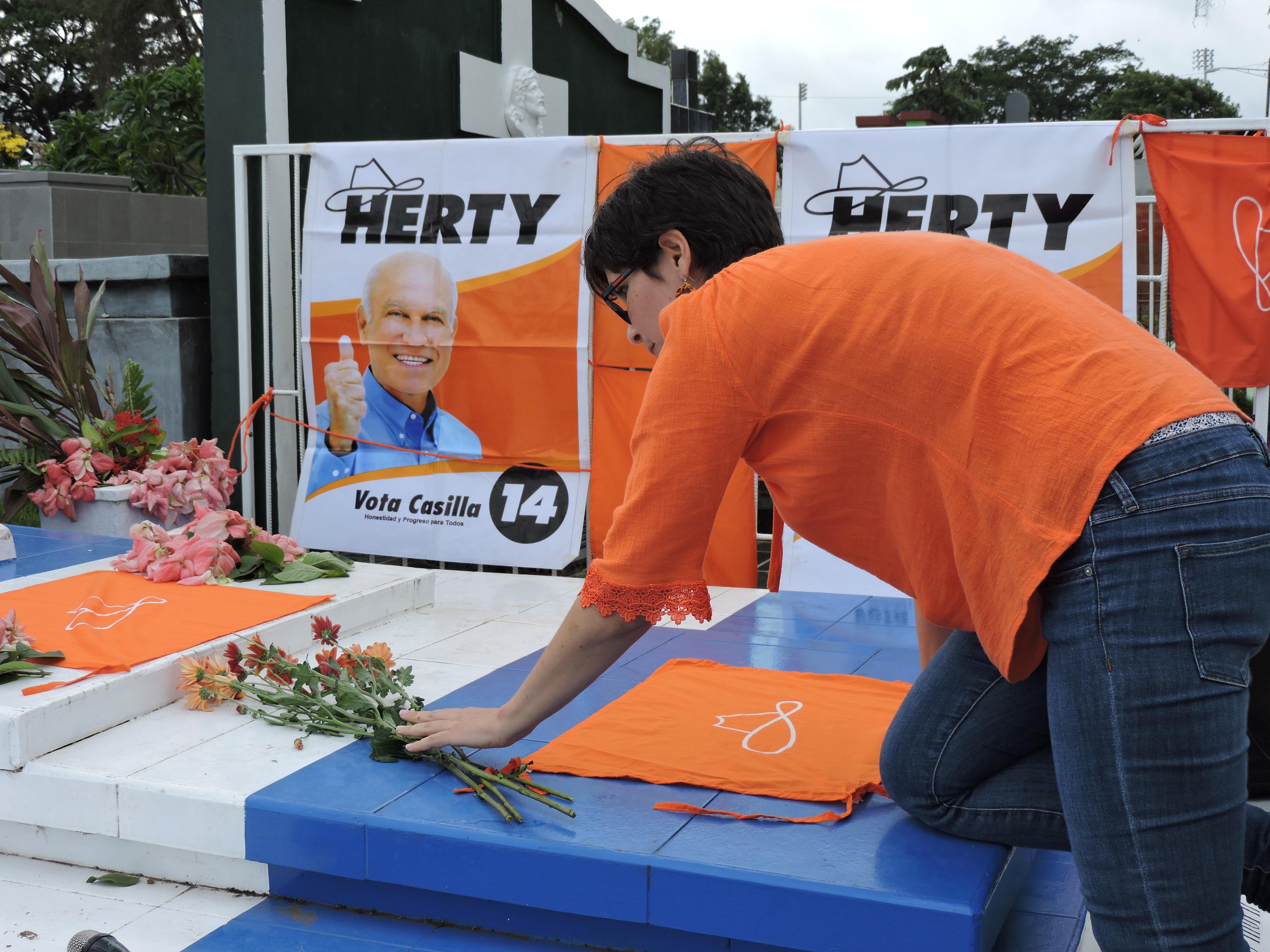 Tributo a Herty Lewites a once años de su muerte. Foto: Mynor García