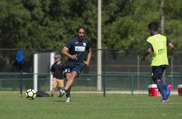 Daniel Cadena (9) dará mayor dinamismo al juego de la Selección Nicaragüense de Futbol en el mediocampo. LA PRENSA/JADER FLORES