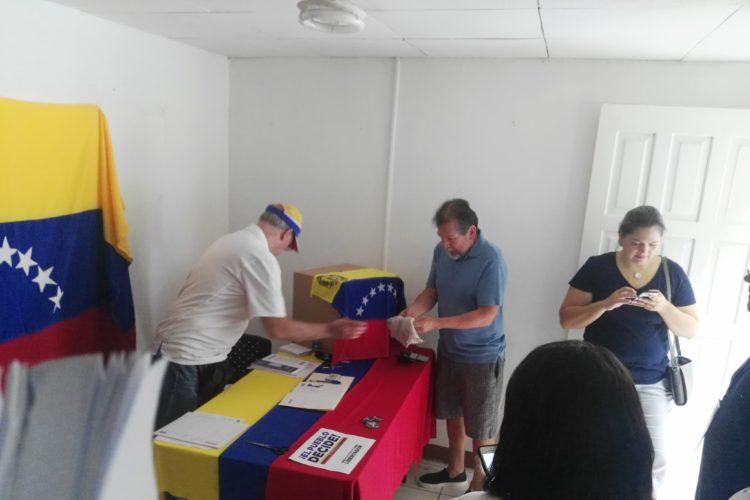Venezolanos en Nicaragua votan contra Constituyente de Maduro