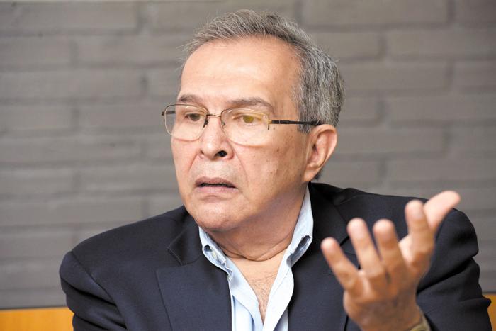 José Luis Velásquez, doctor en Ciencias Políticas y exrepresentante de Nicaragua en la OEA. LA PRENSA / Uriel Molina.