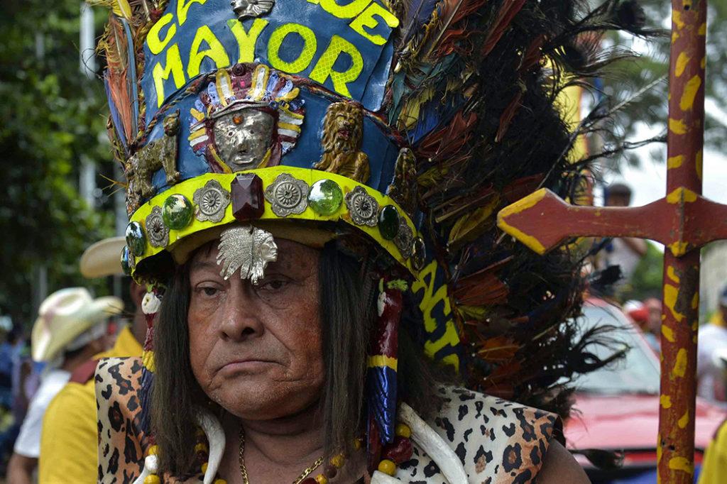 El Cacique Mayor, un indígena vestido con llamativas plumas, taparrabo y caites, interpretado por Óscar Ruiz, es uno de los personajes más conocidos de Nicaragua. LA PRENSA / Jader Flores.
