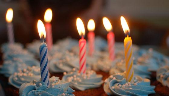 velas del pastel de cumpleaños