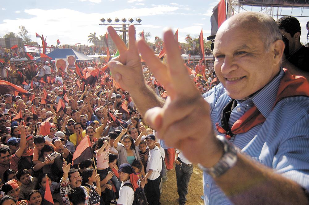 Herty Lewites en Jinotepe frente a miles de simpatizantes sandinistas. LA PRENSA / Archivo
