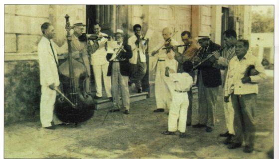 Este es un homenaje que la Fundación Luisa Mercado hace a la ciudad, habitantes, lugares y su historia. (En esta foto aparecen músicos y compositores de la Orquesta Ramírez). LAPRENSA/Cortesía/Fundación Luisa Mercado