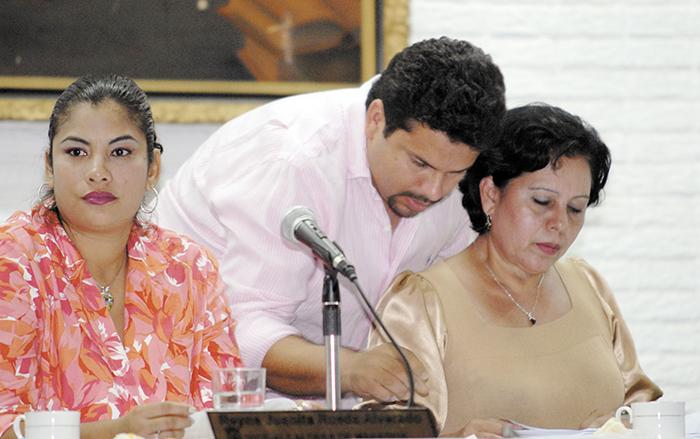 La figura del delfín del Frente Sandinista, Fidel Moreno, siempre estuvo sobre la imagen y funciones de la alcaldesa Daysi Torres.
