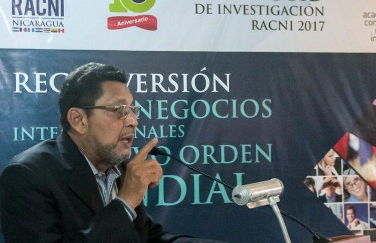 Bayardo Arce, UAM, Novios, Universitarias,