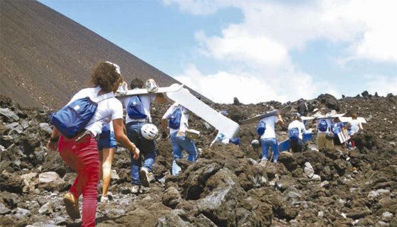 Escalar el volcán San Cristóbal puede tomarle un día ascendiendo hasta la cima y descendiendo. LAPRENSA/ ARCHIVO