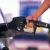 Mísera baja en precios de los combustibles este domingo