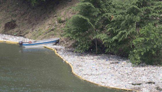 Laguna de Tiscapa, desechos sólidos
