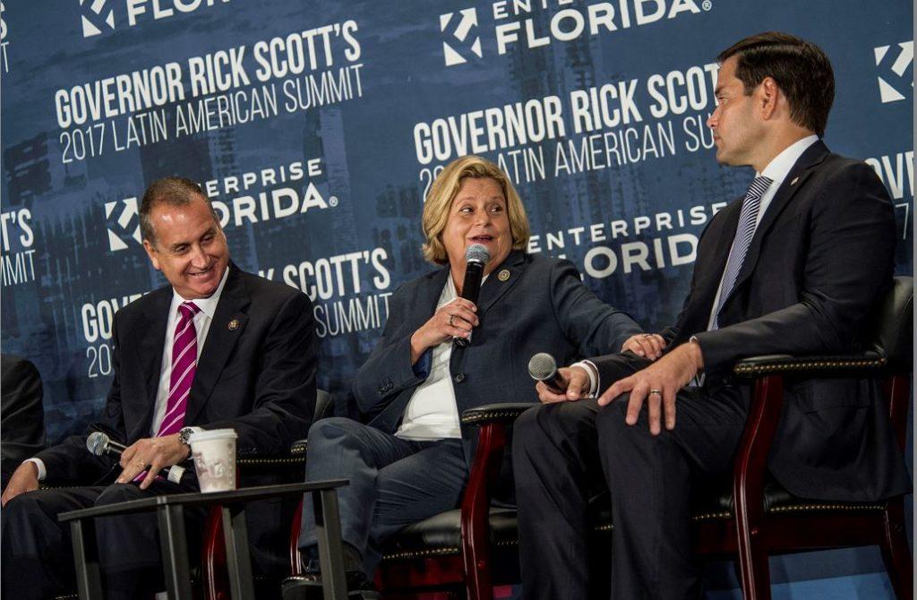 Los senadores y congresistas de los Estados Unidos, (de izquierda a derecha) Mario Díaz-Balart, Ileana Ros y Marco Rubio, promotores de la Nica Act. LA PRENSA/ EFE