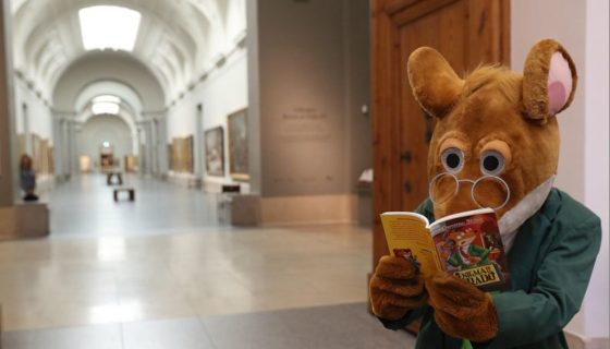 El relato del famoso ratón periodista, de la literatura infantil Geronimo Stilton, narra el robo de una pintura en el museo de Madrid. LAPRENSA/EFE/J. J. Guillén