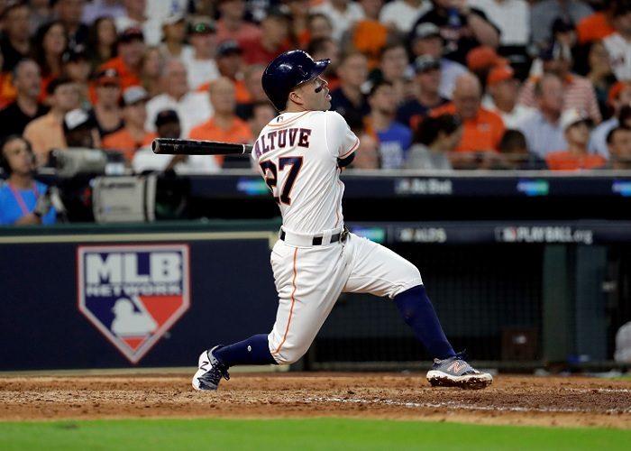 José Altuve se proclamó campeón de bateo de la temporada y ahora busca llevar lejos en la postemporada a los Astros de Houston. LA PRENSA/AP/David J. Phillip