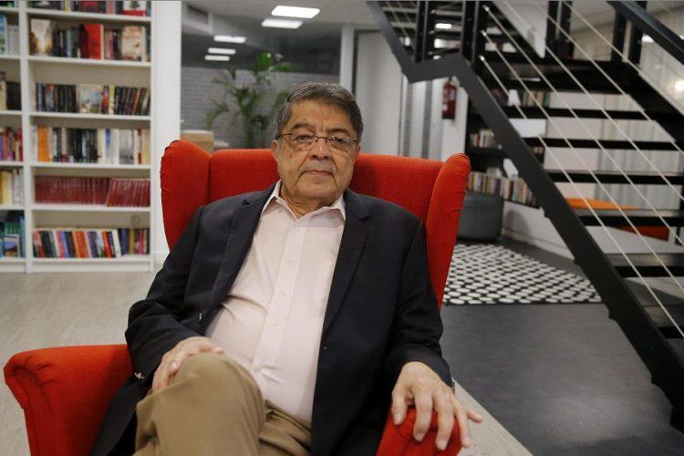 Sergio Ramírez habla de su nueva novela Ya nadie llora por mí, su regreso al género negro con una investigación del inspector sandinista Dolores Morales. LA PRENSA/EFE/Mariscal