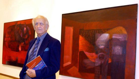 El pintor y escultor peruano Fernando de Szyszlo, considerado un importante exponente del arte abstracto en América Latina, exhibe sus obras en Roma 2004. LA PRENSA/AFP / VICTOR SOKOLOWICZ