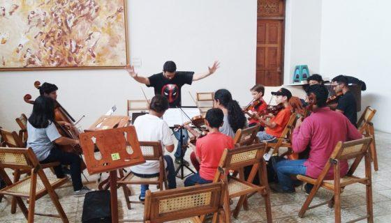 Ensayo de la Escuela de Música de la Casa Tres Mundos. LA PRENSA/Cortesía
