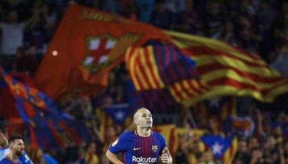 El veterano Andrés Iniesta marcó uno de los dos goles con los que el Barcelona ganó al Málaga. LA PRENSA/EFE/Alejandro García