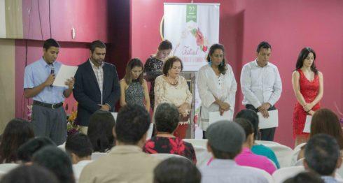 Una tarde de meditación, folclor e historia compartió la comunidad bahá'í en Nicaragua para celebrar los 200 años del nacimiento de su líder espiritual. Foto La Prensa/ U. Molina.