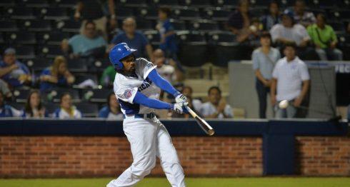 Darrel Campbell dio uno de los tres hits de la Selección de Beisbol de Nicaragua ante México este domingo en los Juegos Centroamericanos y del Caribe de Barranquilla 2018. LA PRENSA/ARCHIVO/JADER FLORES