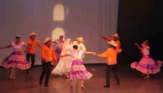 El Ballet Folklórico Azul realizó su presentación cultural anual en Miami.LA PRENSA/Judith Flores