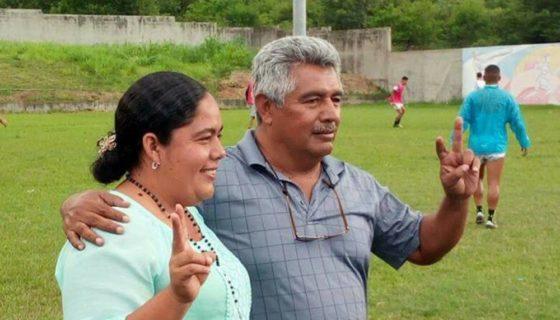 La actual vicealcaldesa Dania Sujey Martínez Mondragón y el actual alcalde Marcio Ariel Rivas Núñez, son los candidatos impuestos del FSLN que buscan un tercer periodo en la Alcaldía de Somoto. LA PRENSA/ W. ARAGÓN