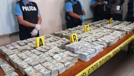 El monto total incautado por la Policía Nacional fue S$2,290,905 dólares. LA PRENSA/ TOMADA CANAL 2