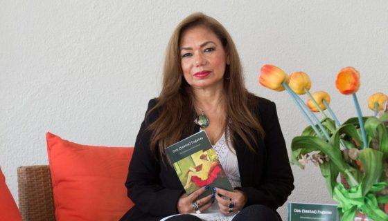 La escritora Aminta Buenaño Rugel aborda en sus nuevos cuentos y microrrelatos la intimidad femenina y la intensidad de los dramas humanos. LA PRENSA/Yader Flores
