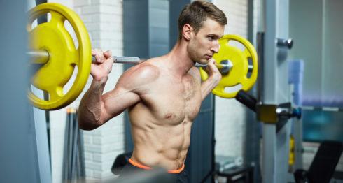 Si es hombre tenga mucho cuidado con la cantidad de ejercicios que hace en el gimnasio.