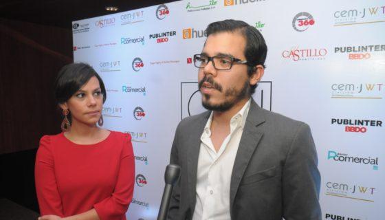 Juan Carlos Ortega Murillo, director del canal 8 y Difuso Comunicaciones, en entrega de premios de la ONAP, junto a su esposa Idania Castillo. LA PRENSA/ MANUEL ESQUIVEL