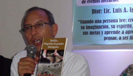 El escritor Luis Armando Iglesias, da a conocer las semblanzas de jinoteganos. LA PRENSA/Sara Ruiz