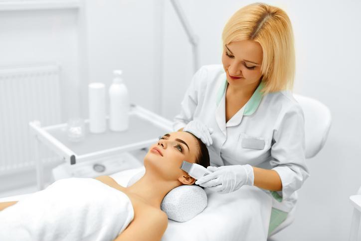 Cinco razones para visitar al dermatólogo