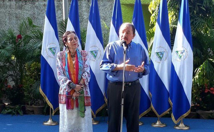 Daniel Ortega y Rosario Murillo tras votar en la JRV habilitada en Reparto El Carmen. LA PRENSA