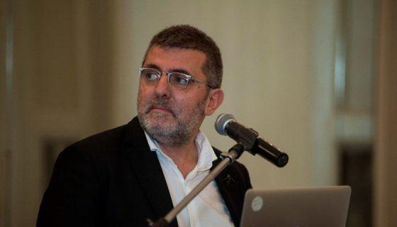 Coplas y micropoesías avanzan de forma extraordinaria gracias a Internet y las redes sociales, dijo Mario Tascón, periodista de Fundé. LAPRENSA/EFE/Patricio Murphy