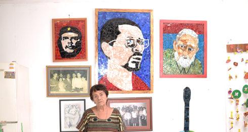 """La artista vive orgullosa de sus tres """"amigos"""": el Che, Carlos Fonseca y Fidel Castro. Con los tres compartió momentos bonitos, dice. LA PRENSA/OSCAR NAVARRETE"""