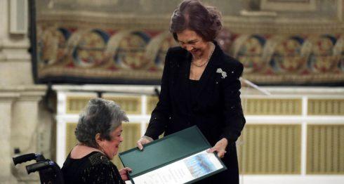La Reina Sofía entrega a la escritora nicaragüense Claribel Alegría el XXVI Premio de Poesía Iberoamericana que lleva su nombre, esta tarde en el Palacio Real de Madrid. LAPRENSA/EFE/Kiko