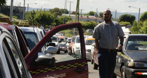 Taxistas en Managua