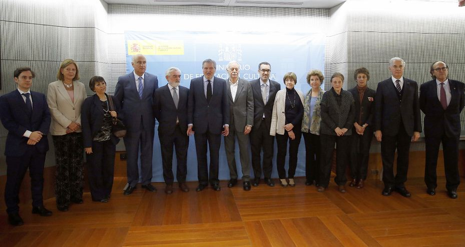 El jurado del fallo del Premio Cervantes 2017. LA PRENSA/EFE/ Paco Campos