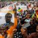 Miles salen a protestar en Zimbabue para pedir renuncia de Mugabe