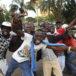 Así celebraron la renuncia del presidente Robert Mugabe en Zimbabue, en imágenes