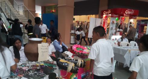 Feria escolar, AMCHAM