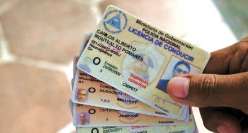 Dentro de los servicios policiales en línea se encuentran las solicitudes de récord de policía y licencias de conducir. LA PRENSA/ ARCHIVO