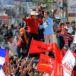 """Miles de hondureños salen a protestar contra el """"robo"""" de las elecciones"""