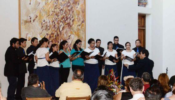 Coro Increcendo dirigido por Juan Manuel Mena en concierto lírico sobre los versos de Rubén Darío, en 2016, en Granada. LAPRENSA/ROBERTO FONSECA/archivo, 2016